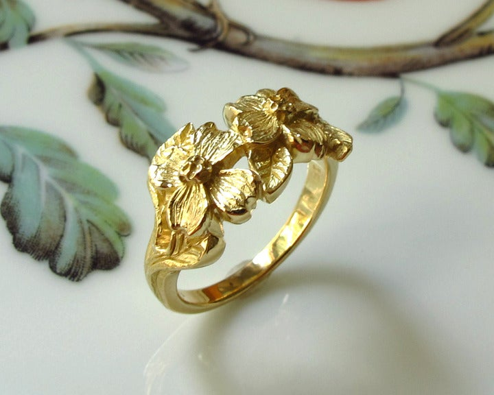 Image of Botanical Dogwood Flowers 18k Gold Ring