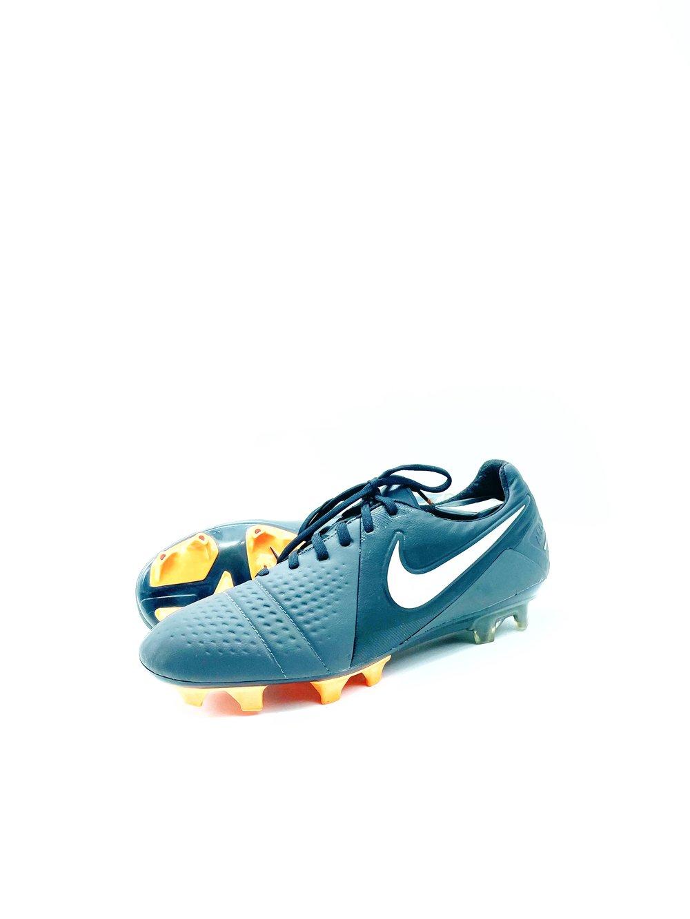 Image of Nike Ctr360 Maestri FG GREY orange