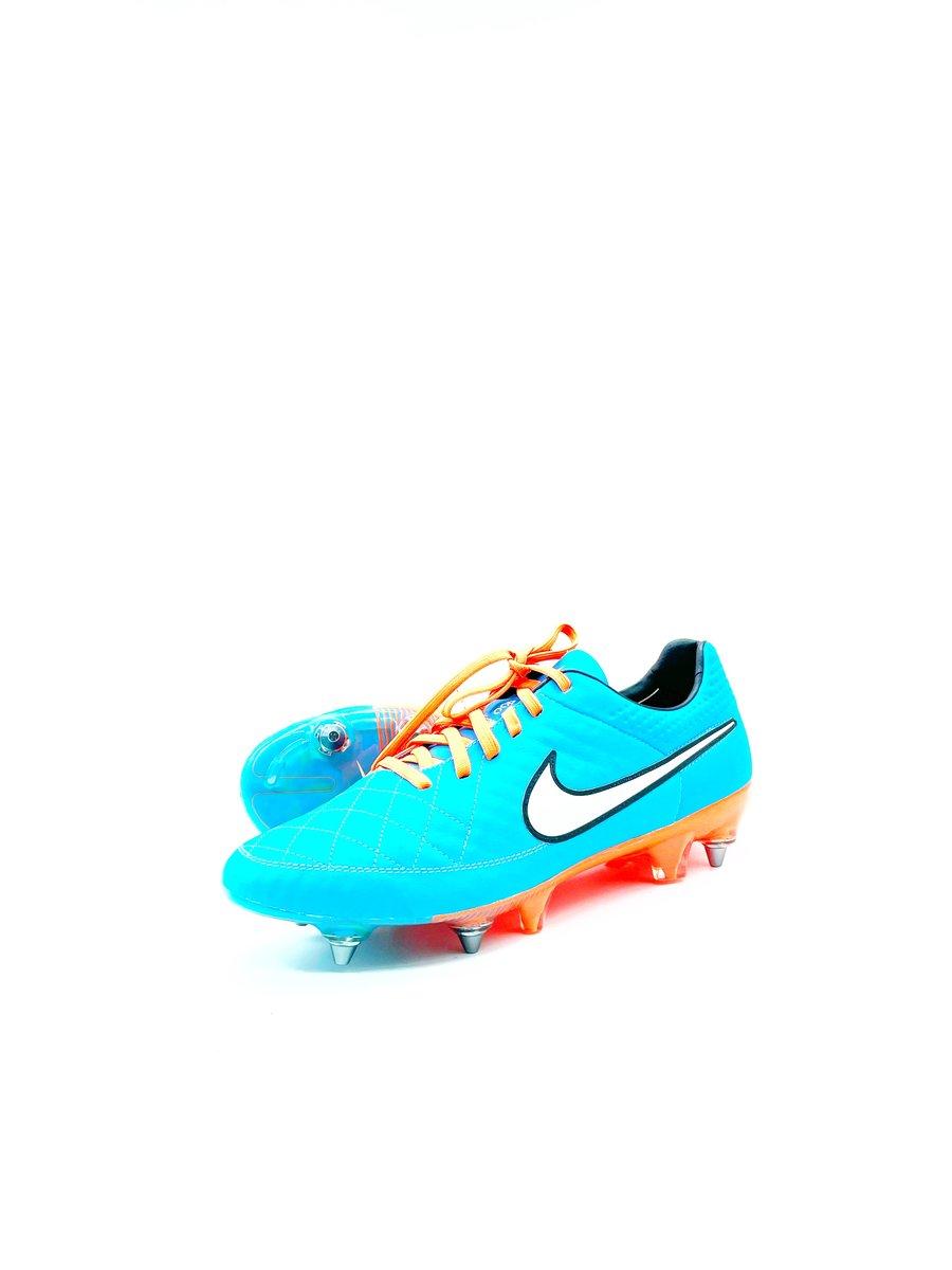 Image of Nike tiempo V Sg blue