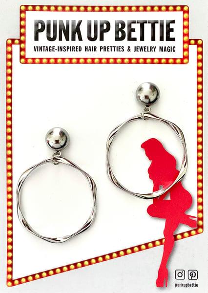 Image of Pinup Twisty Flirty Hoop Earrings - Silver