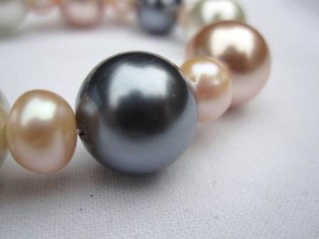 Image of Costume Pearl Bracelet