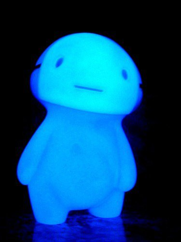 Image of Kuro SDCC Glow In The Dark Blue Version