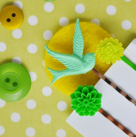 Image of green sparrow - set of 3 hairpins