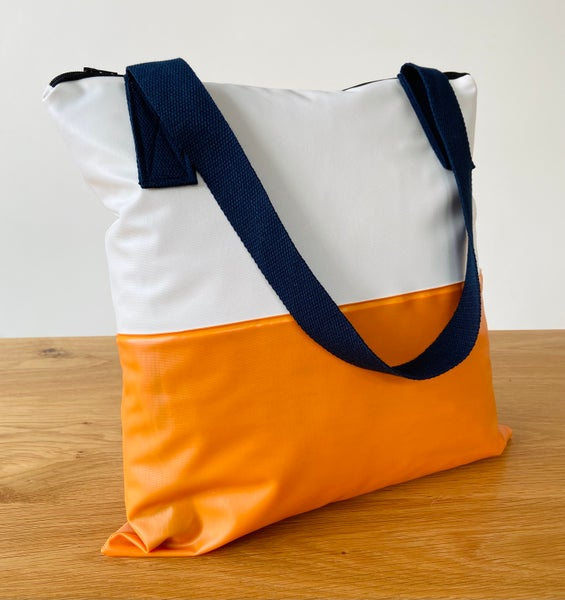 Image of Medium beach bags / Totes - Recycled swimming pool
