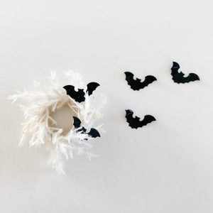 Image of Dollhouse Pampas Wreath and Bats