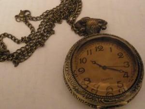 Image of Clock pendant style 2.