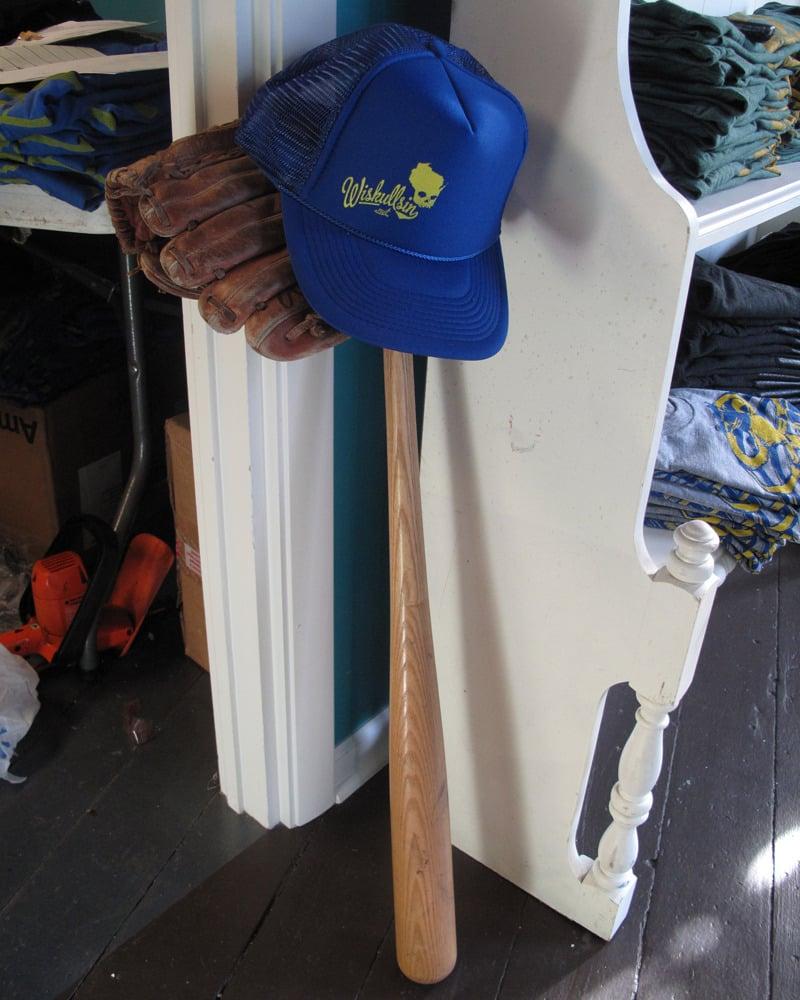 Wiskullsin Hat (Blue/Yellow)