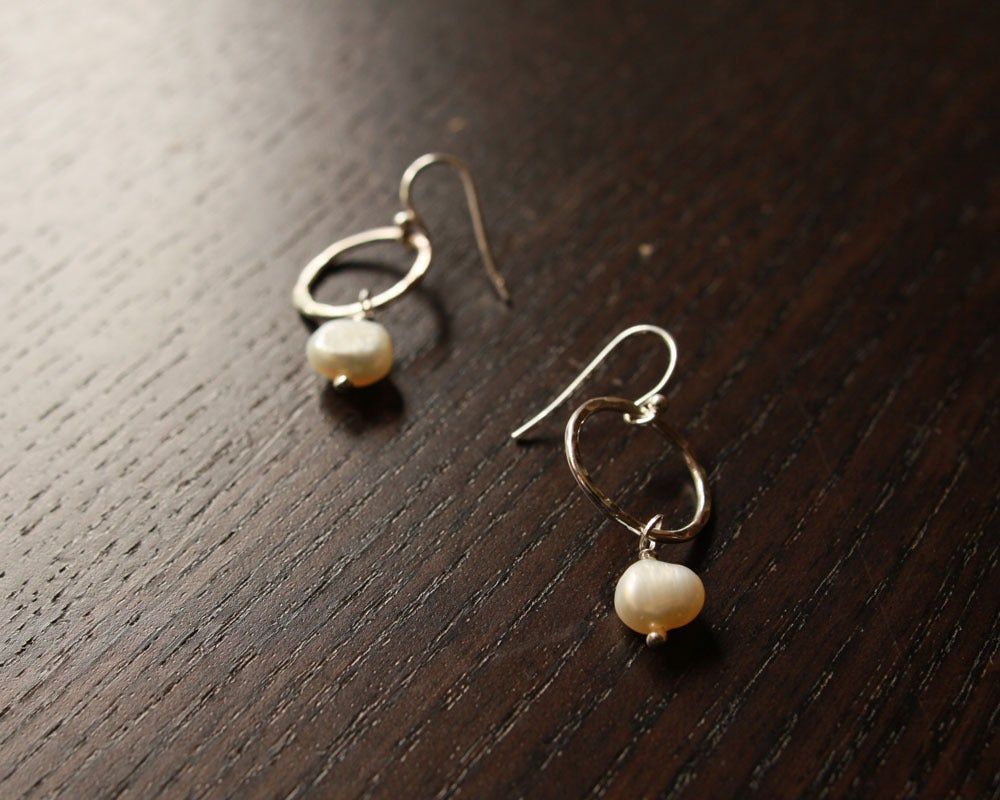 Image of sweet pearl drop earrings
