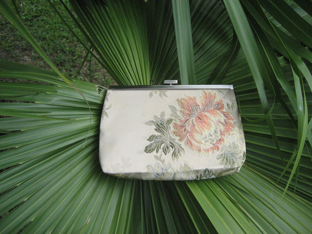 Image of Trudy Clutch - Aunt Harriet Collection