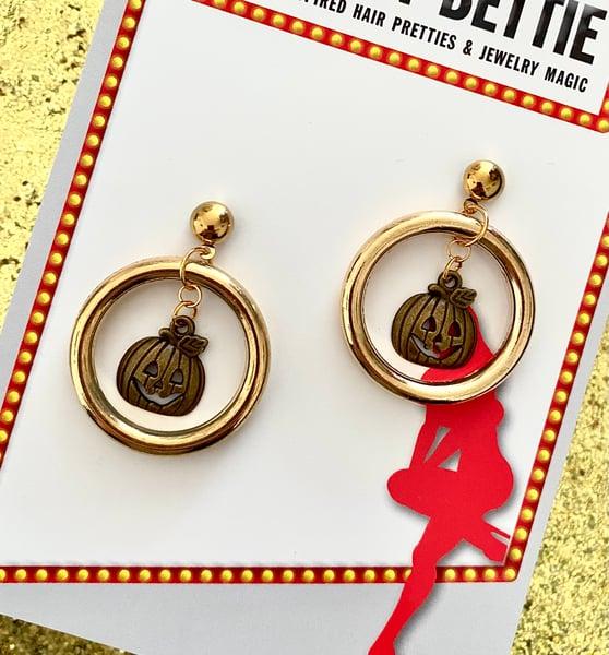 Image of Vintage Jack O' Lantern Hoop Earrings - Gold