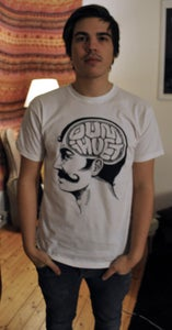 Image of T-shirt - Dum i hjärnan