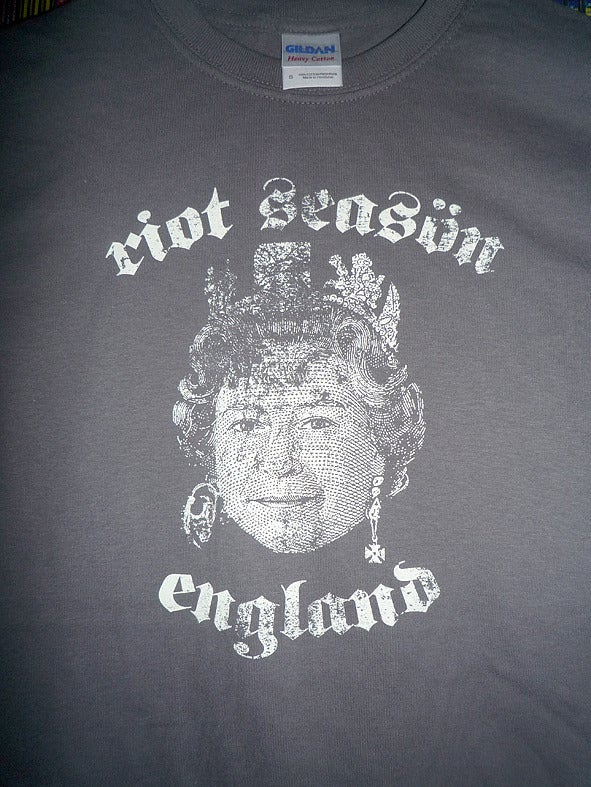 RIOT SEASON Queens Head T-Shirt (Charcoal)