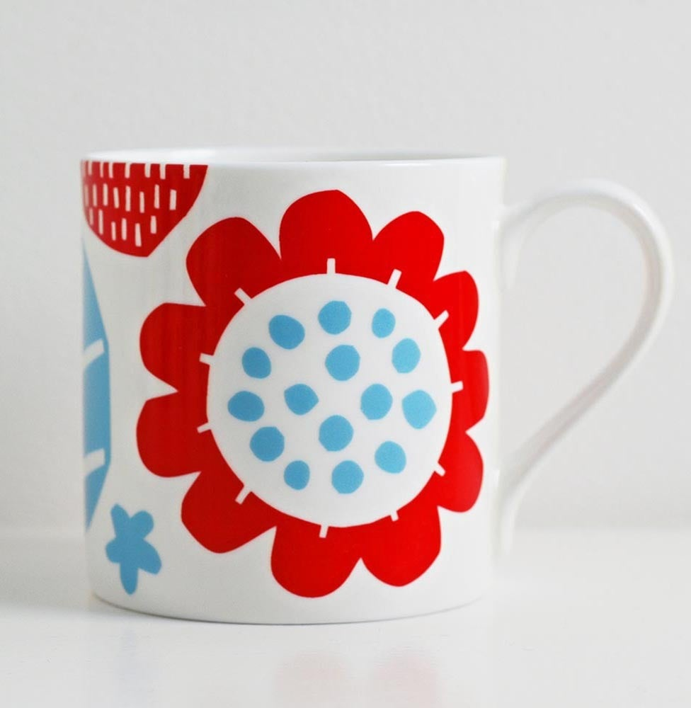 Image of Bone china red/blue flower mug
