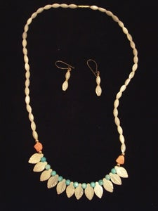 Image of Leaf Shell Necklace w/ Earrings