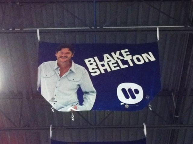 Image of 2010 Warner Music Hood/Blake Shelton