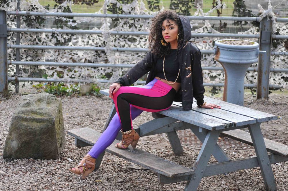 Image of ONIA LEGGINGS in VIOLET Vs FUCHSIA ...