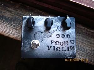 Image of DenTone 900 Pound Violin fuzz pedal