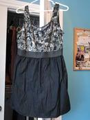 Image of Xhiliration Gold & Black Filigree Dress – Size XXL