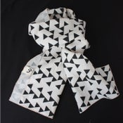 Image of Linen Geometric Print Scarf Black and Cream