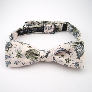 Image of Liberty Print Skinny Bow Tie