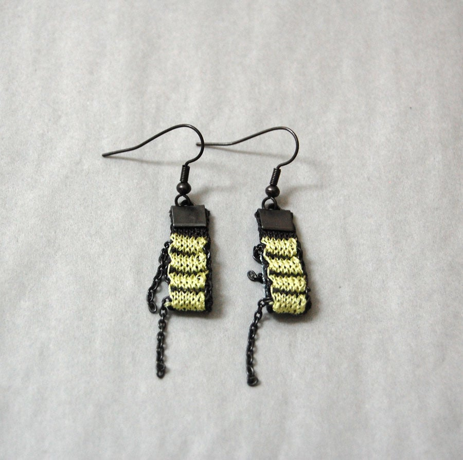 Image of One Pixel Earrings LEMON