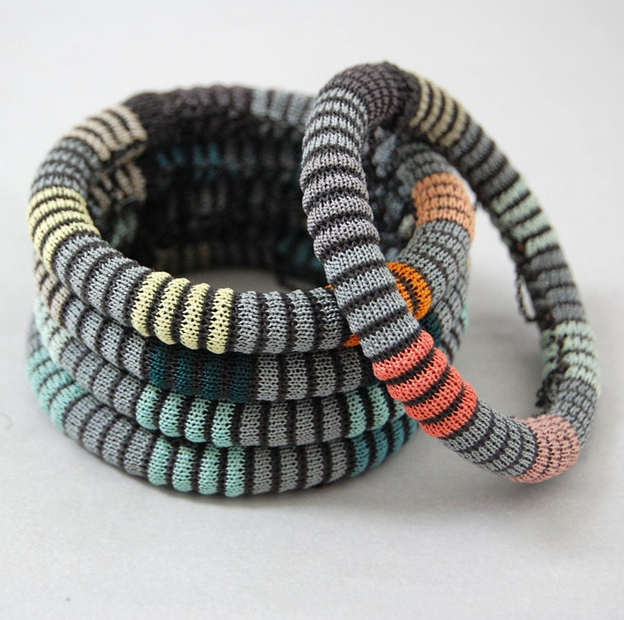 Image of Pixels Chain Bangle COLOUR 1
