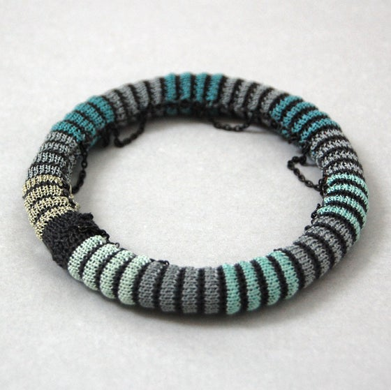 Image of Pixels Chain Bangle COLOUR 4