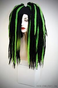 Image of BLACK/GREEN KRINKLEPUFFS
