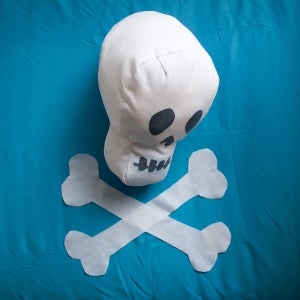 "Image of Skull ""Blank Canvas"" Softie"
