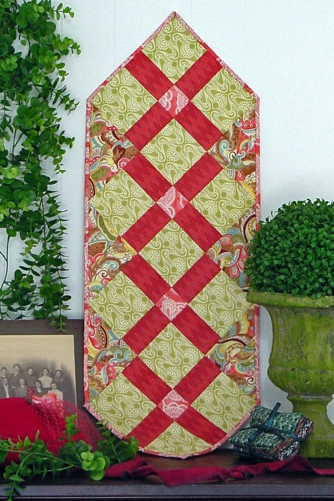 Image of Fat Quarter Table Runner V - Pattern Q114 PDF pattern