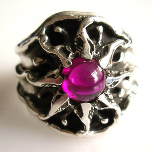 Image of Vintage Design - Mens Sunburst Ring in Silver with Ruby