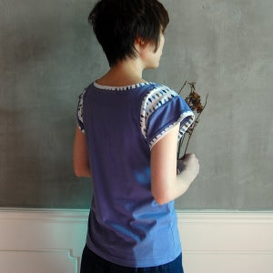 Image of Cotton Sleeve Leaves Print Top /全棉袖�拼樹葉花上衣 (code: 060)