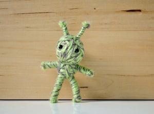 Image of Green Alien String Doll Brooch Pin