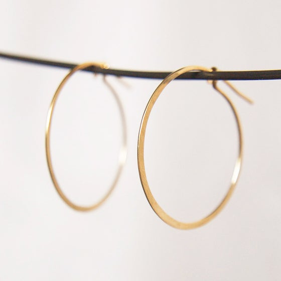 Image of 14k Gold Whisper hoops