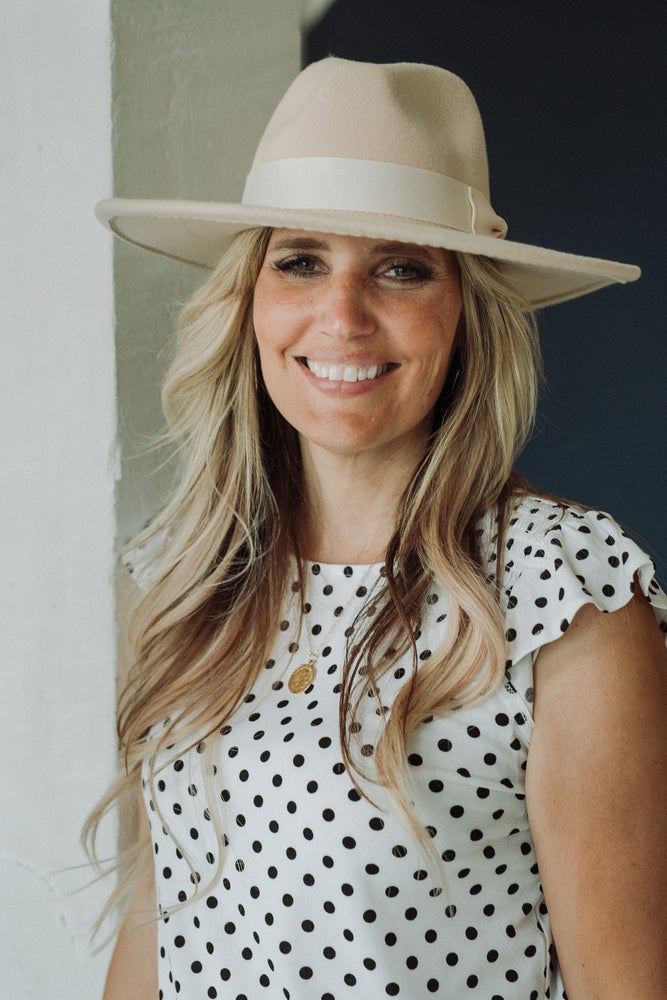 Image of SHANNON WIDE BRIMMED PANAMA HAT- IVORY