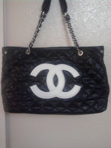 Image of Chanel LA Large Tote
