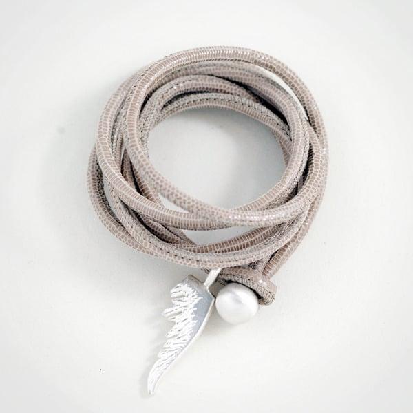 Image of Flügellederarmband