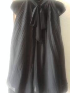 Image of Beautiful Black Bow Back Tunic Size Large