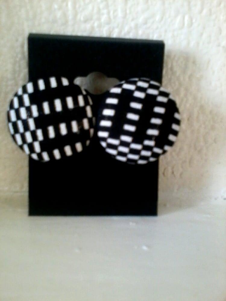 Image of Vekras black and white stud earrings