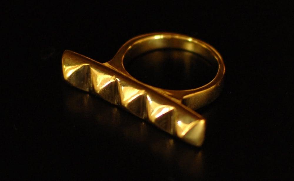 Image of Pyramides Ring