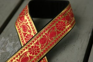Image of camera strap - hot pink on gold