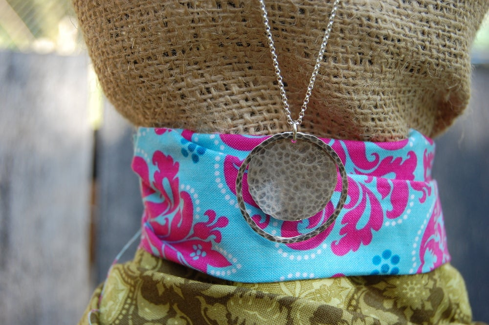 Image of Hammered Disc and Washer Necklace