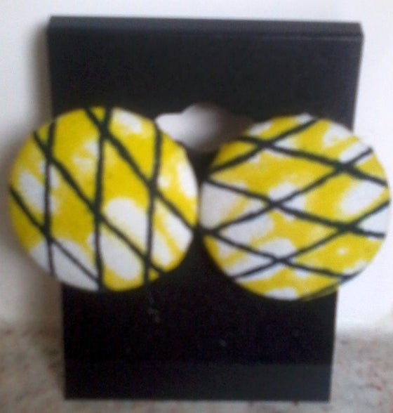 Image of Vekras Yellow Stud Earrings