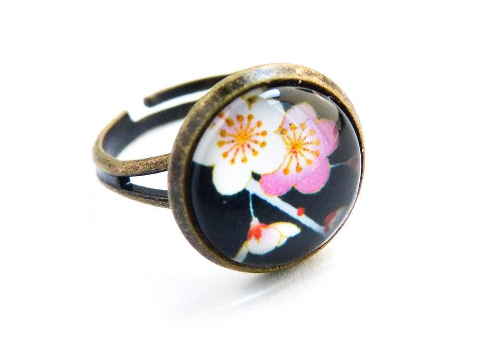 Image of Bague Sakura illustration sous verre