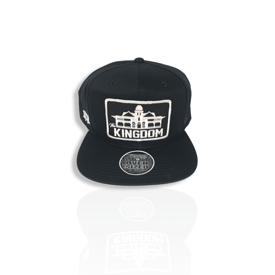 Image of Kingdom hat - black / white