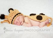 Image of Giraffe hat and cape set. MTO NB-3m