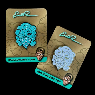 Image of 2 inch GLITTER PINS (both colors)