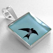 Image of Photo Pendant, Swiftly