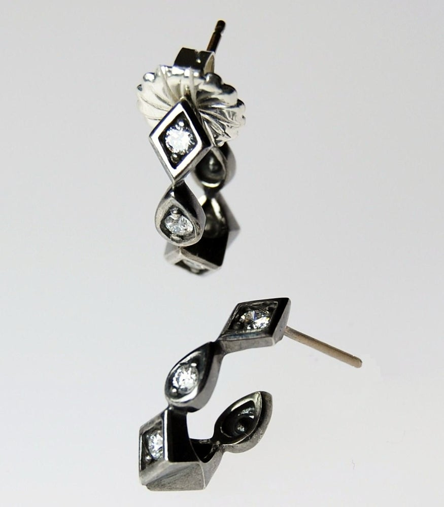 Image of Goccie Hugs Earrings