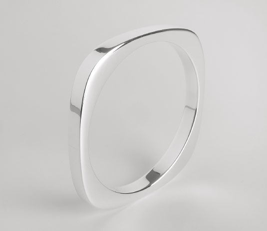 Image of SQUARE BANGLE-SMOOTH